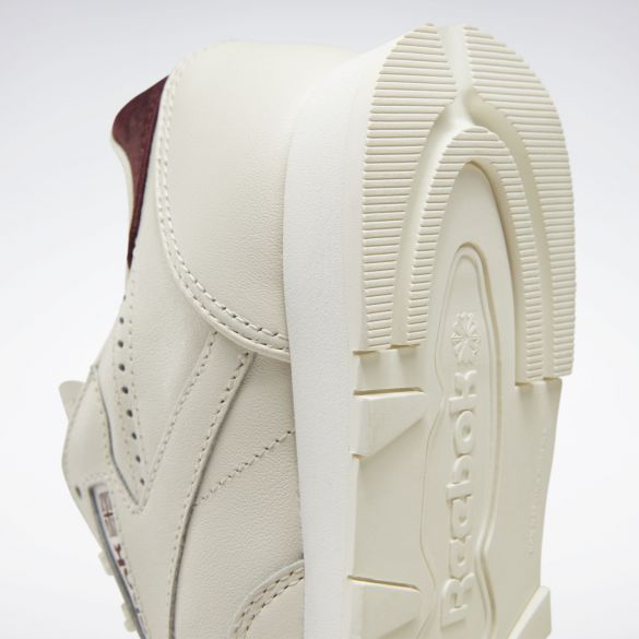 Женские кроссовки Reebok Classic Leather FW2044